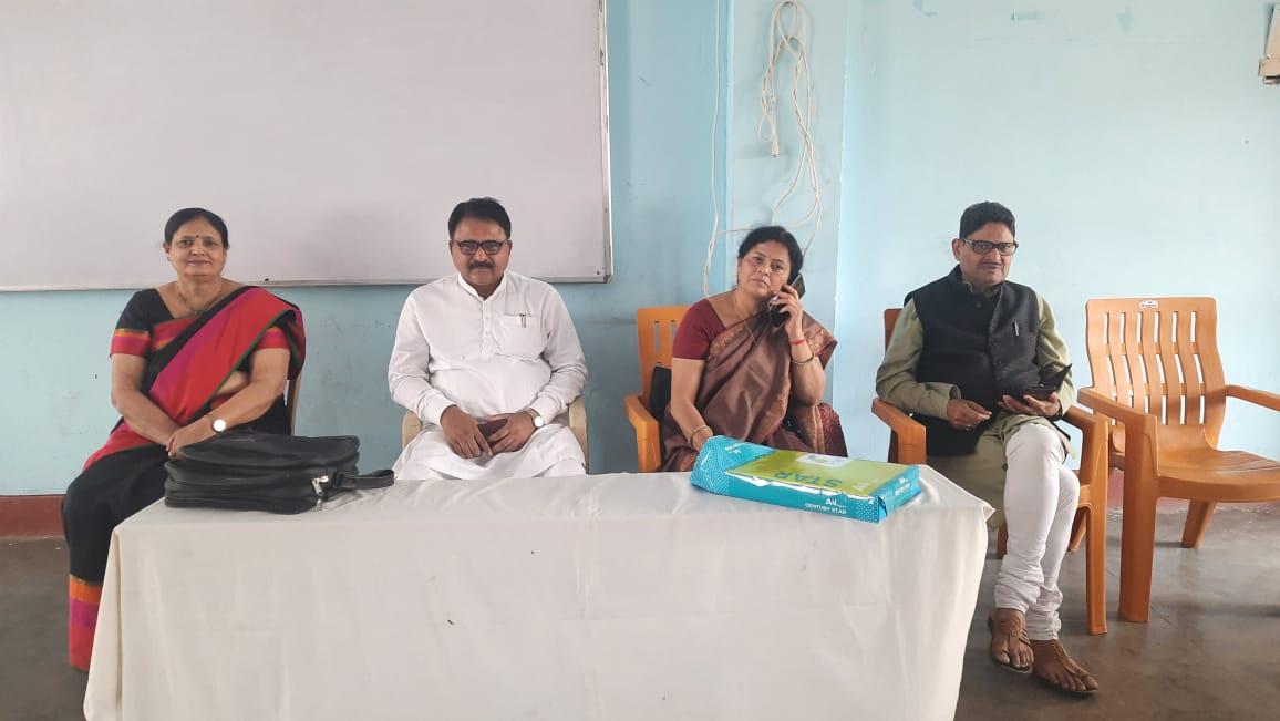 गोरखपुर : स. बा. वि. सूर्यकुण्ड में आचार्य चयन परीक्षा प्रश्नपत्र निर्माण कार्यशाला का आयोजन सम्पन्न